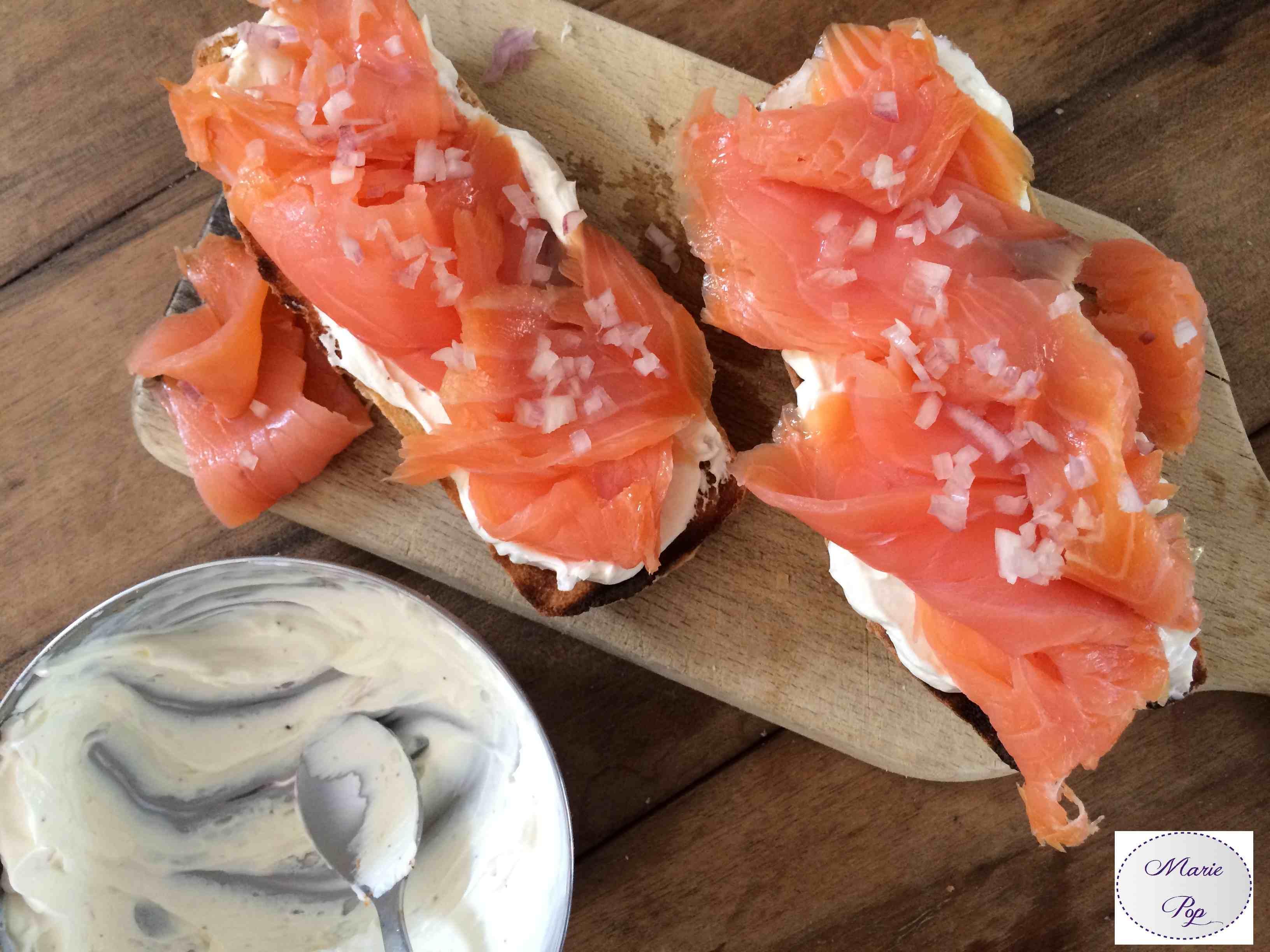 Tartine saumon échalotes