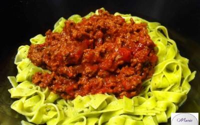 Bolognaises sur pâtes au basilic… La vie en rouge et vert est tellement gourmande !