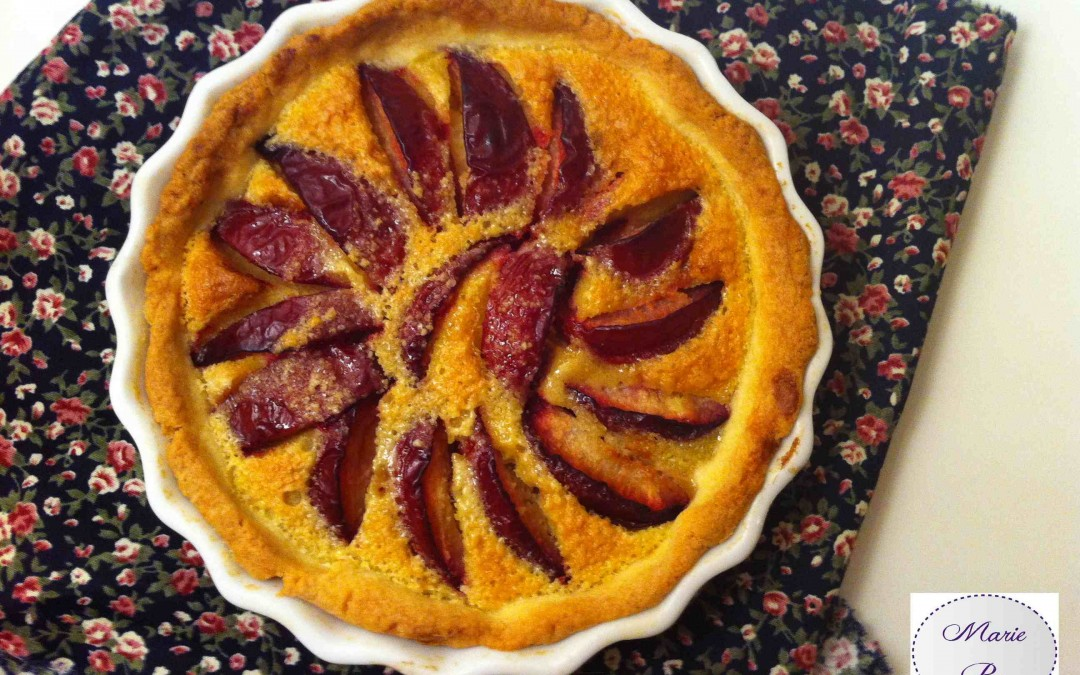 Une tarte aux prunes rouges… Ouh la la, Marie Pop a le rose aux joues !