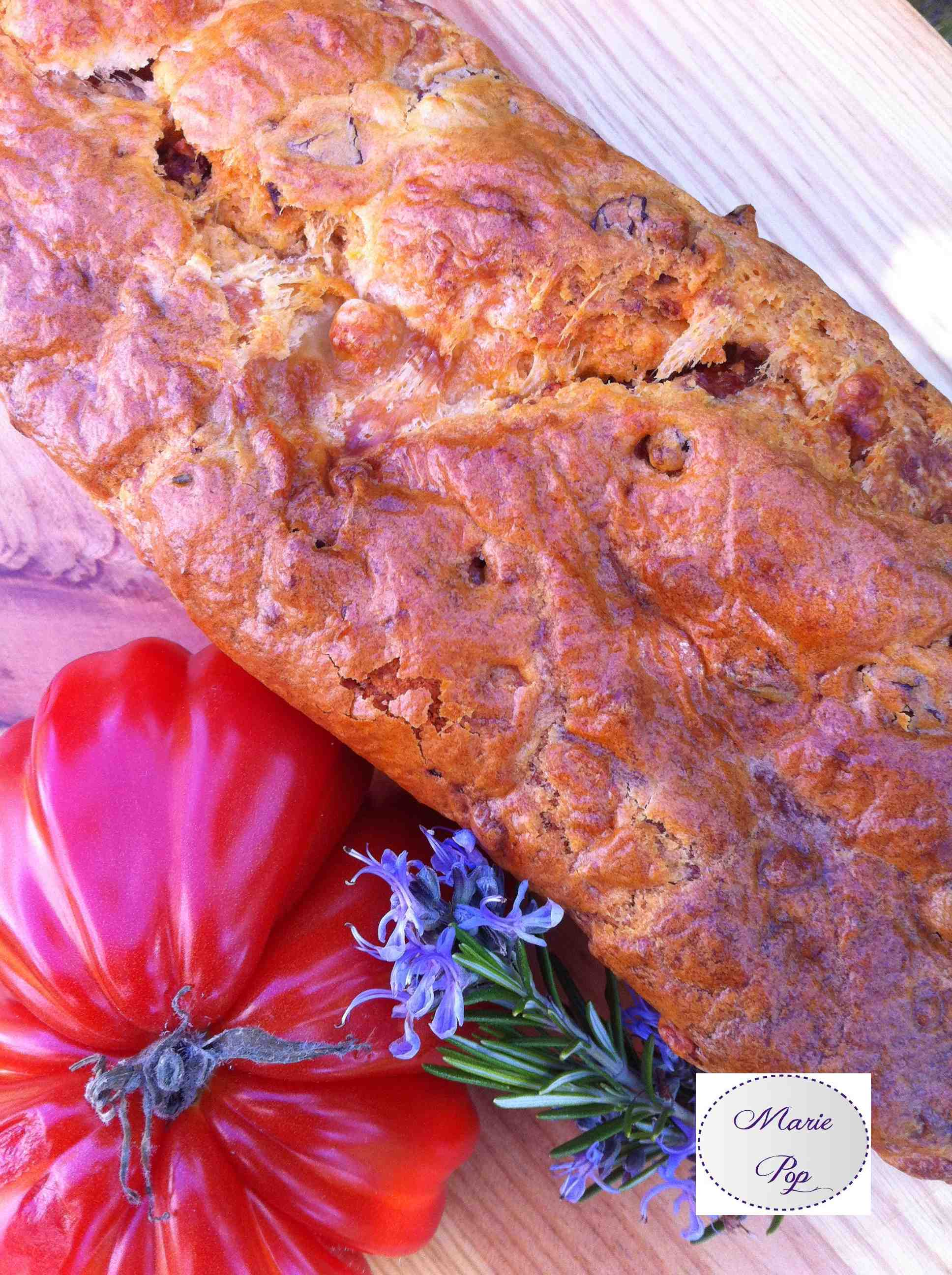 Cake tomates séchées mozza romarin - ma recette ensoleillée