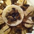 Poule aux champignons et oignons