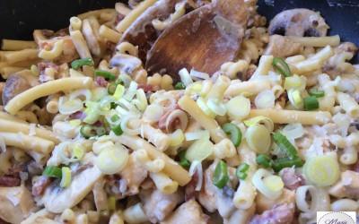 Poêlée de pâtes au poulet et bacon… Tous à Poêle !